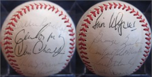 1977 New York Yankees World Series Champions team autographed AL baseball Thurman Munson Bobby Cox Catfish Hunter Sparky Lyle Willie Randolph (JSA)