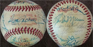 1978 New York Yankees team autographed World Series baseball Thurman Munson Yogi Berra Elston Howard Catfish Hunter Reggie Jackson