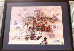 1980 Miracle on Ice USA Olympic Hockey Team autographed 16x20 poster size celebration photo (Leaf)