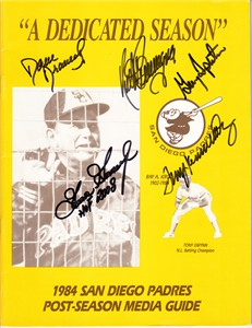 1984 San Diego Padres autographed Postseason Media Guide (Dave Dravecky Terry Kennedy Garry Templeton)