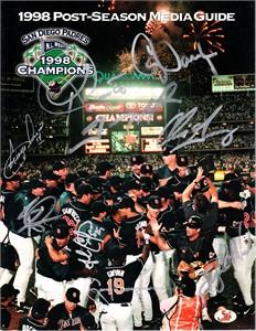 1998 San Diego Padres autographed Postseason Media Guide Ken Caminiti Steve Finley Tony Gwynn Trevor Hoffman Greg Vaughn