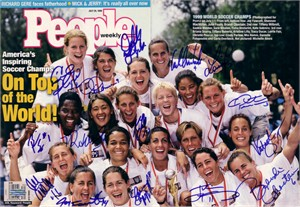 1999 US Women's World Cup Soccer Team autographed People Magazine cover (Brandi Chastain Julie Foudy Mia Hamm Kristine Lilly Christie Rampone)
