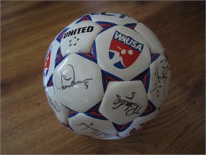 1999 US Women's World Cup Team autographed WUSA soccer ball Mia Hamm Brandi Chastain Kristine Lilly