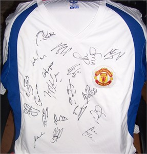 2010 Manchester United team autographed soccer jersey Alex Ferguson Ryan Giggs Luis Nani Paul Scholes