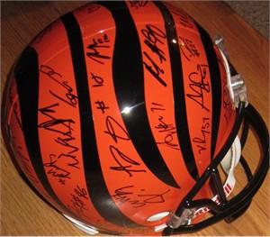 2013 Cincinnati Bengals team autographed full size helmet (A.J. Green Vontaze Burfict Carlos Dunlap Marvin Jones Mohamed Sanu)