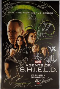 Agents of SHIELD cast autographed 2017 Wondercon poster (Chloe Bennet Clark Gregg Ming Na Wen)