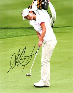 Ai Miyazato autographed 8x10 putting photo