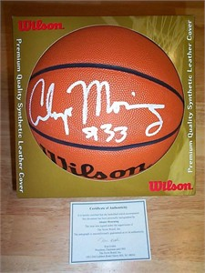 Alonzo Mourning autographed Wilson basketball