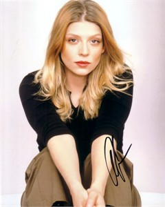 Amber Benson autographed 8x10 portrait photo