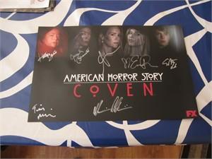 American Horror Story cast autographed 2014 Comic-Con poster (Sarah Paulson Evan Peters Emma Roberts Angela Bassett Kathy Bates)