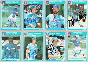 Lot of 8 autographed Atlanta Braves 1985 Fleer cards (Bob Horner)