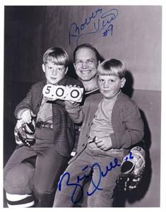Bobby Hull & Brett Hull autographed Goal #500 8x10 photo