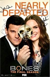 Bones cast autographed 2016 Comic-Con poster David Boreanaz Emily Deschanel Michaela Conlin Tamara Taylor T.J. Thyne