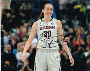 Breanna Stewart autographed UConn Huskies 8x10 photo
