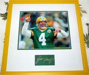 Brett Favre autograph matted & framed with Green Bay Packers photo