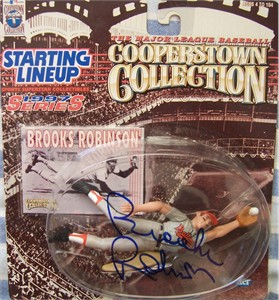 Brooks Robinson autographed Baltimore Orioles 1997 Kenner Starting Lineup action figure