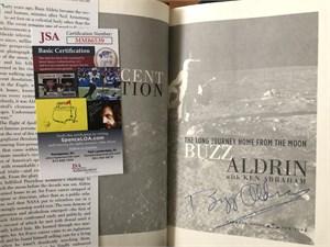 Buzz Aldrin autographed Apollo 11 Magnificent Desolation hardcover book