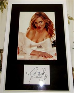 Cameron Diaz autograph matted & framed with Maxim magazine full page photo
