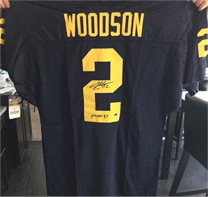 Charles Woodson autographed Michigan Wolverines stitched jersey inscribed Heisman '97 (GTSM)