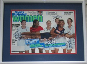Brandi Chastain Julie Foudy Mia Hamm Kristine Lilly Briana Scurry Jackie Joyner-Kersee autographed 1999 SI for Women cover framed