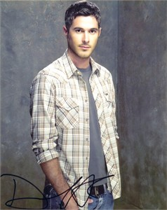 Dave Annable autographed 8x10 photo