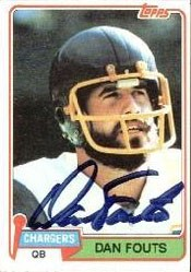Dan Fouts autographed San Diego Chargers 1981 Topps card