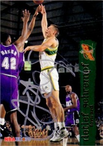 Detlef Schrempf autographed Seattle Sonics 1993-94 Hoops card