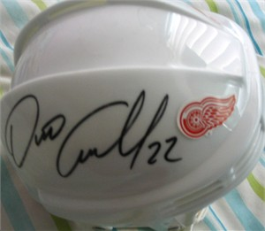 Dino Ciccarelli autographed Detroit Red Wings mini helmet