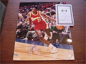 Dominique Wilkins autographed Atlanta Hawks 16x20 poster size photo