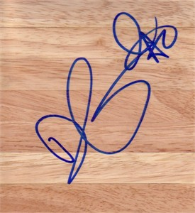 Drew Gooden autographed basketball hardwood floor