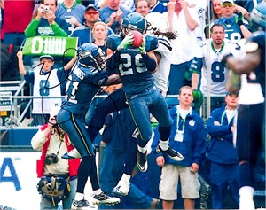 Earl Thomas autographed Seattle Seahawks 8x10 photo