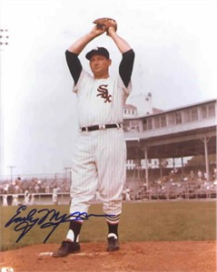 Early Wynn autographed 8x10 Chicago White Sox photo