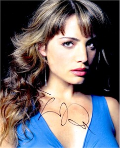 Erica Durance autographed Smallville 8x10 portrait photo
