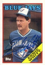Ernie Whitt autographed Toronto Blue Jays 1988 Topps card