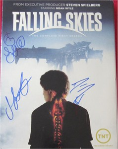 Sarah Carter Seychelle Gabriel Drew Roy autographed Falling Skies Season 1 DVD slipcover