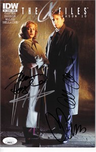Gillian Anderson Chris Carter Dean Haglund autographed X-Files Season 10 #2 comic book