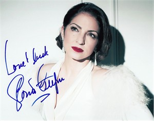 Gloria Estefan autographed 8x10 photo