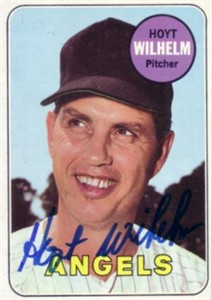 Hoyt Wilhelm autographed 1969 Topps card
