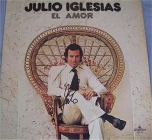 Julio Iglesias autographed El Amor record album