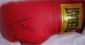 Julio Cesar Chavez autographed Everlast boxing glove