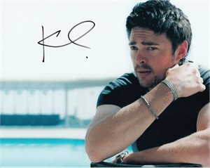 Karl Urban autographed 8x10 photo