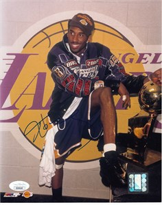 Kobe Bryant autographed Los Angeles Lakers 2001 NBA Champions 8x10 photo