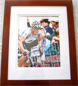 Lance Armstrong autographed Tour de France 8x10 photo matted & framed