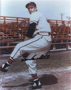 Lew Burdette autographed Milwaukee Braves 8x10 photo