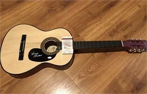 Linda Ronstadt autographed Ibanez full size acoustic guitar (JSA)
