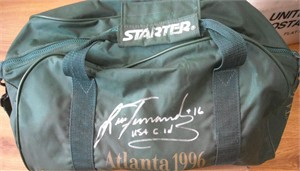 Lisa Fernandez autographed 1996 Atlanta Olympics duffel bag