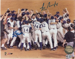 Luis Gonzalez & Steve Finley autographed Arizona Diamondbacks 2001 World Series celebration 8x10 photo