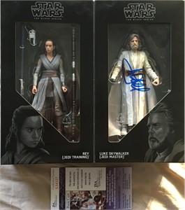 Mark Hamill autographed Star Wars Luke & Rey 2017 Comic-Con exclusive Last Jedi action figure (JSA)