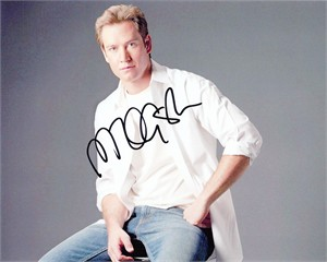 Mark-Paul Gosselaar autographed 8x10 portrait photo