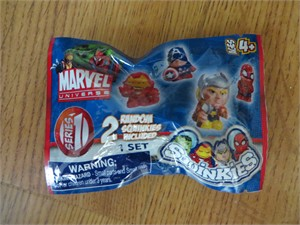 Marvel Universe Squinkies Series 1 mystery pack of 2